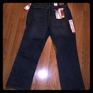 Levi Strauss NWT 18W short jeans